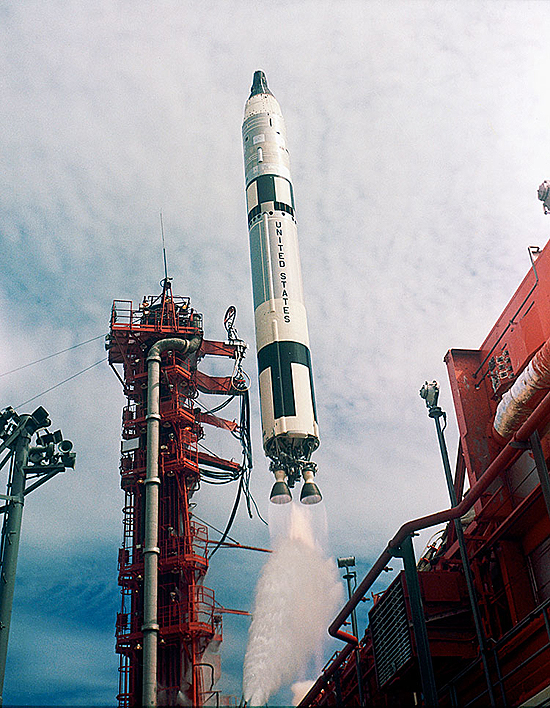 Gemini11 startas