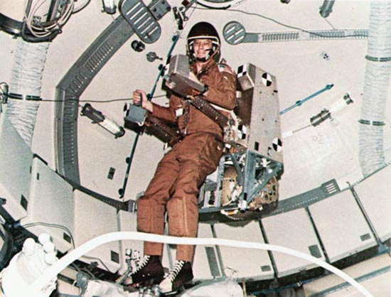 Aleksandr Leonov, Edvin White, Manned Maneuvring Unity, SAFER, AMU 1973