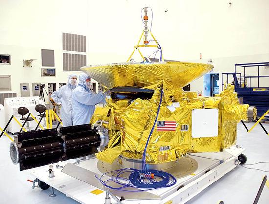 Algimantas Avižienis, Huygens, New Horizons, Philae, Pioneer 10, Pioneer 11, Cassini, Rosseta, Voyager 1, Voyager 2, New Horizonts in laboratory