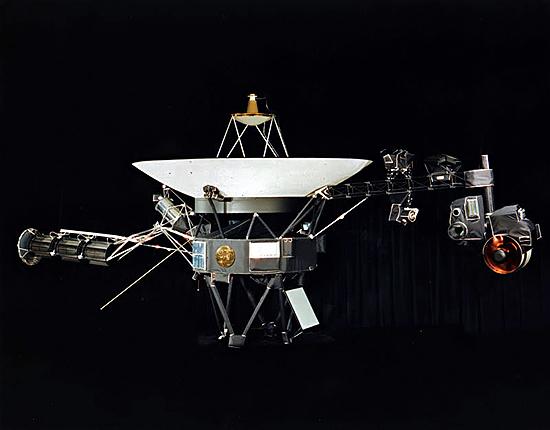 Algimantas Avižienis, Huygens, New Horizons, Philae, Pioneer 10, Pioneer 11, Cassini, Rosseta, Voyager 1, Voyager 2, Voyager