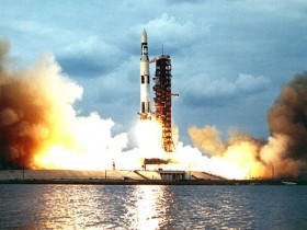 Ariane 5, Delta IV, Energija Buran, F1, Merlin, PД-171M, RD-180, Falcon Heavy, N1, Saturn V, Space Shuttle Saturn V start