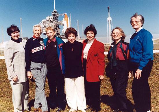 Christa McAuliffe, FLAT, Judith Resnik, Kalpana Chawla, Peggy Whitson, Svetlana Savickaja, Valentina Tereškova, FLAT women