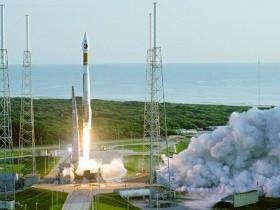 Atlas V rocket start