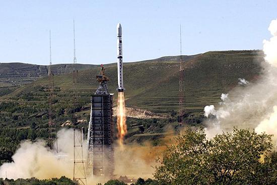 Chang Zheng 4 rocket start