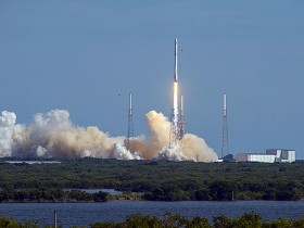 SpaceX start in 2016 april 8