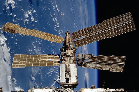A. Lazutkin, NASA, Mir Spektr cropped
