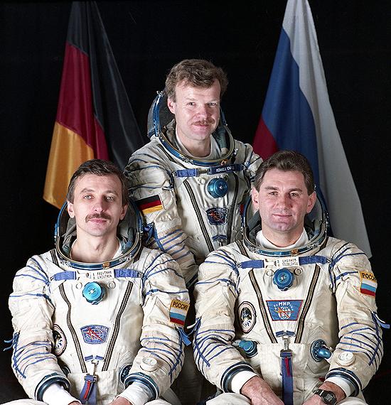 A. Lazutkin, NASA, Mir Soyuz-tm-25