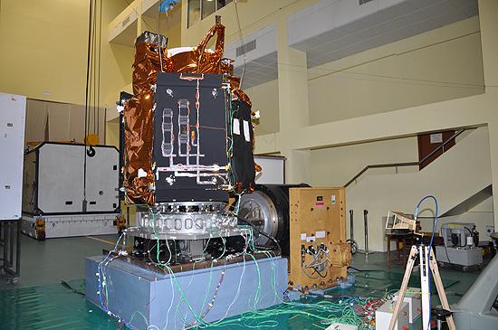 LituanicaSat-2, Cartosat-2, Nanoavionika, ISRO, PSLV-C38, Venta-1 Cartosat-2_03Vibro
