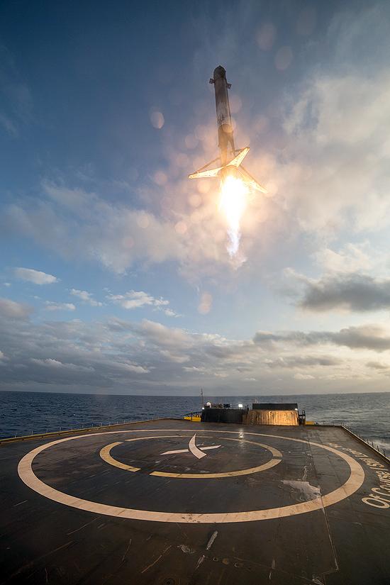 Falcon Heavy startas, Falcon 9 skaičiai, SpaceX sekmė ir Elon Musk Tesla, Landing in Ocean