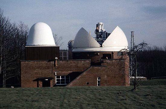 Greenwich-Observatory-Satellite-Laser-Ranger