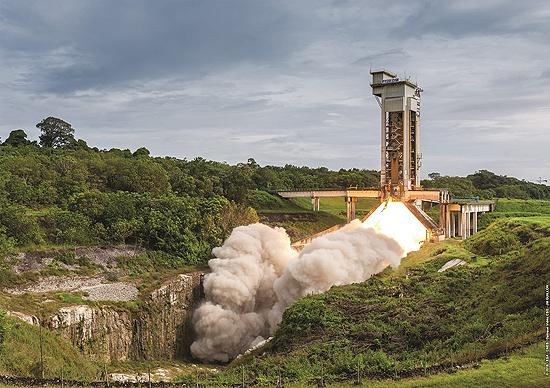 Ariane 6, Europos Kosmoso Agentūra, Ariane 5, Kinija, Airbus Ariane 6 Greitintuvo P120C Booster July test fire