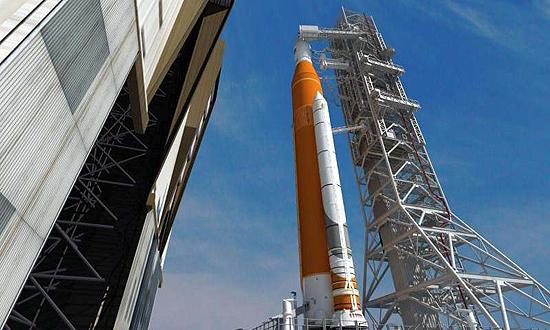 SLS, Saturn V, NASA, Orion, SLS Launch System