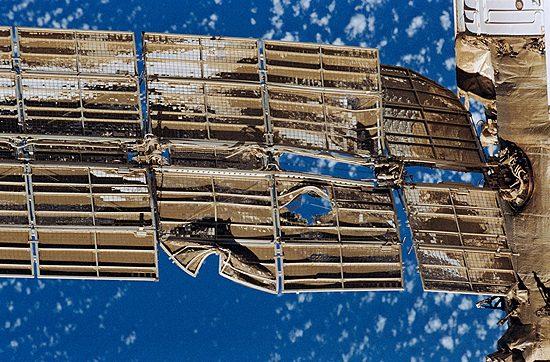 Kosmosas, skrydžiai, pavojai, Liberty Bell 7, Damaged_Spektr_solar_array