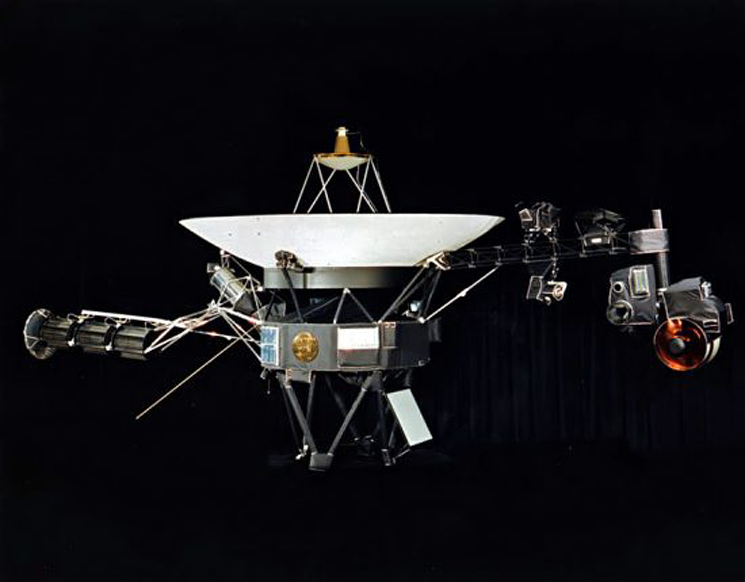 New Horizons, Pioneer, Voyager