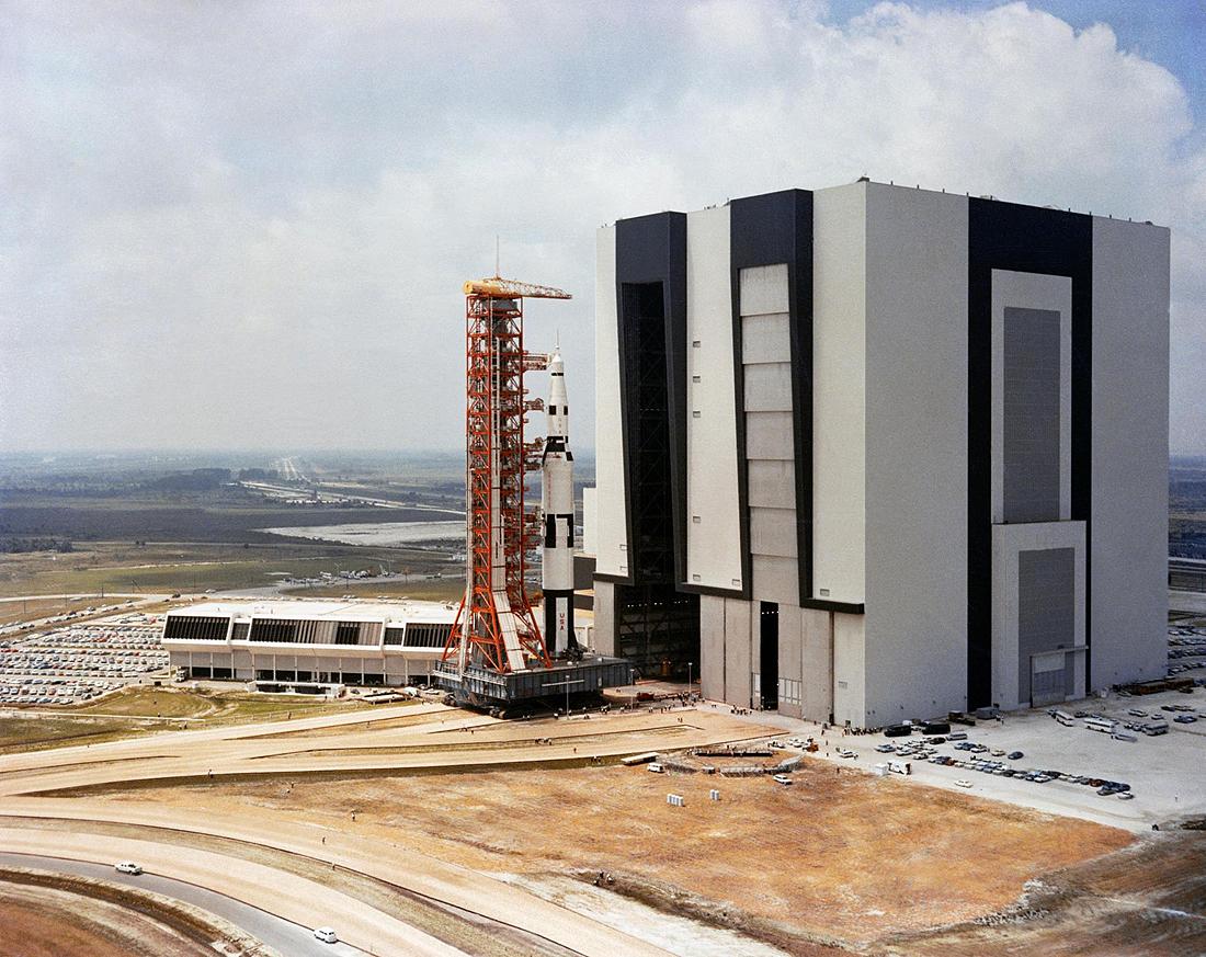 Saturn V transporteris