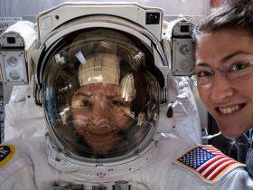 NASA-astronauts-Christina-Koch-and-Jessica-Meir-prepare-for-a-spacewalk