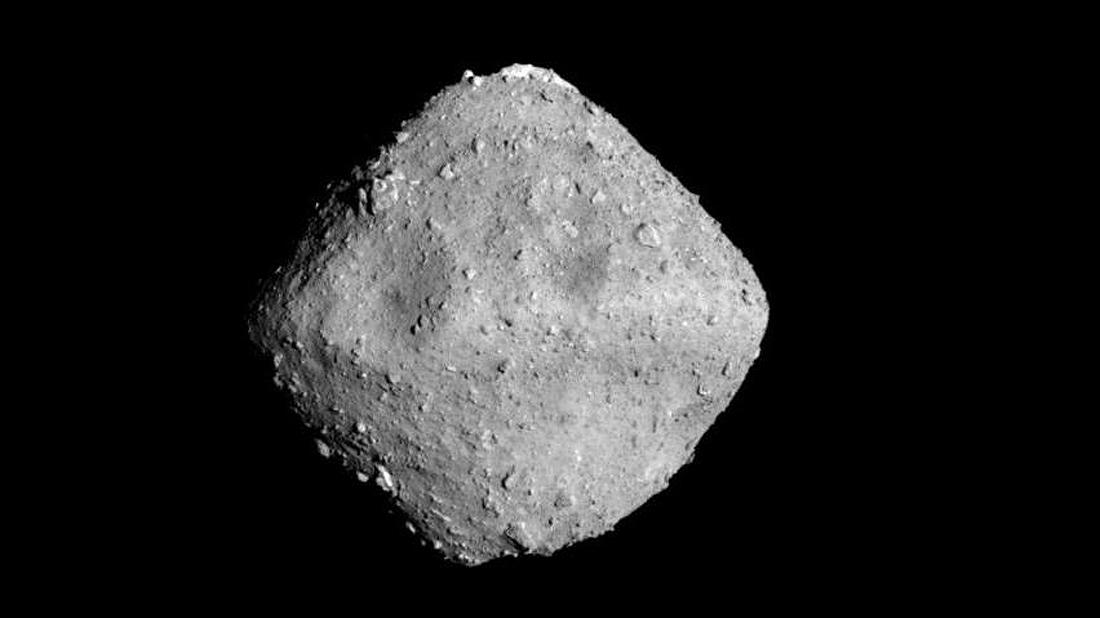 Riugu Hayabusa asteroid-ryugu-imaged-from-a-distance-of-approximately-22-kilometres