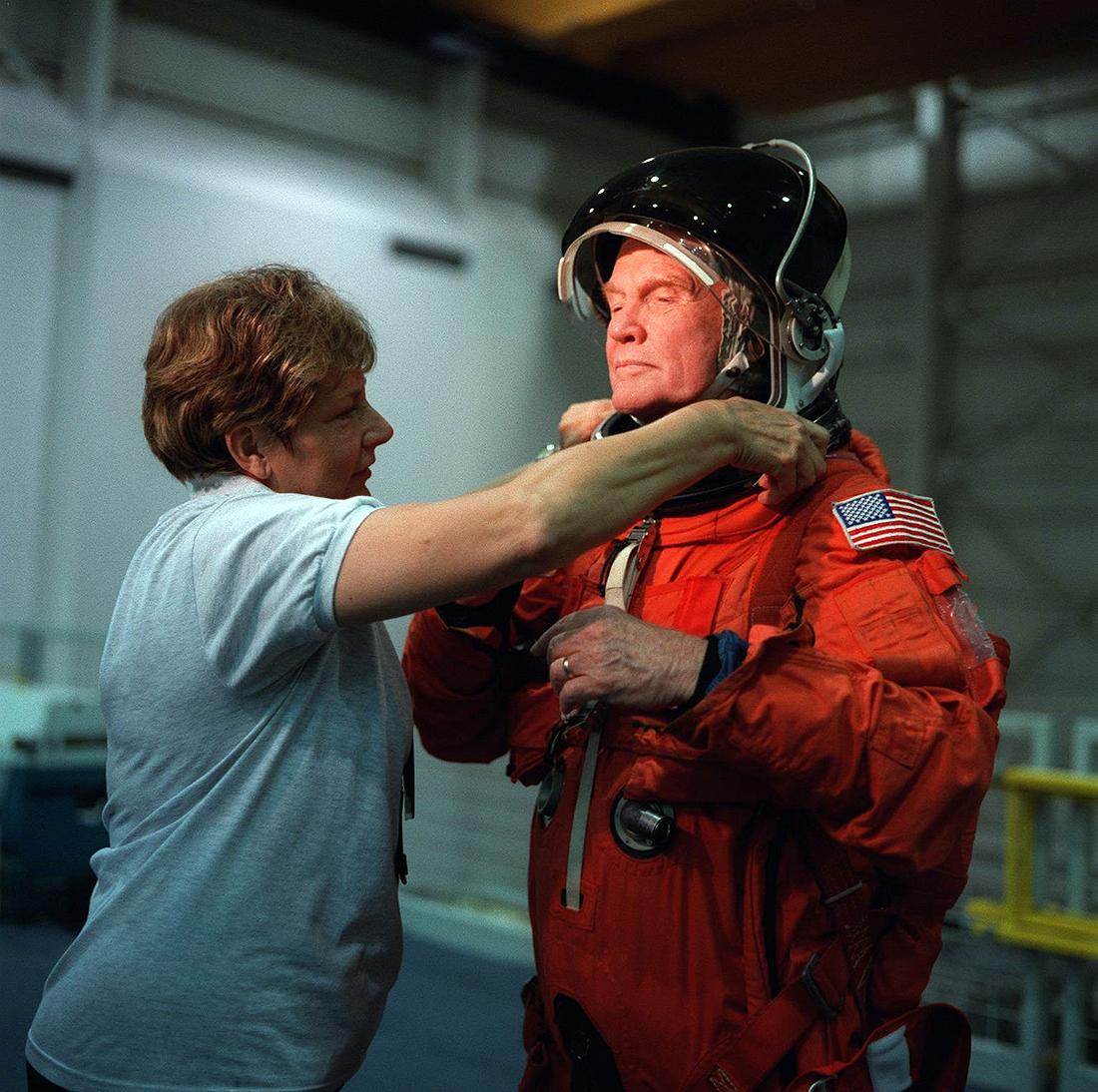 seniausiu specu tapo John Glenn_STS-95