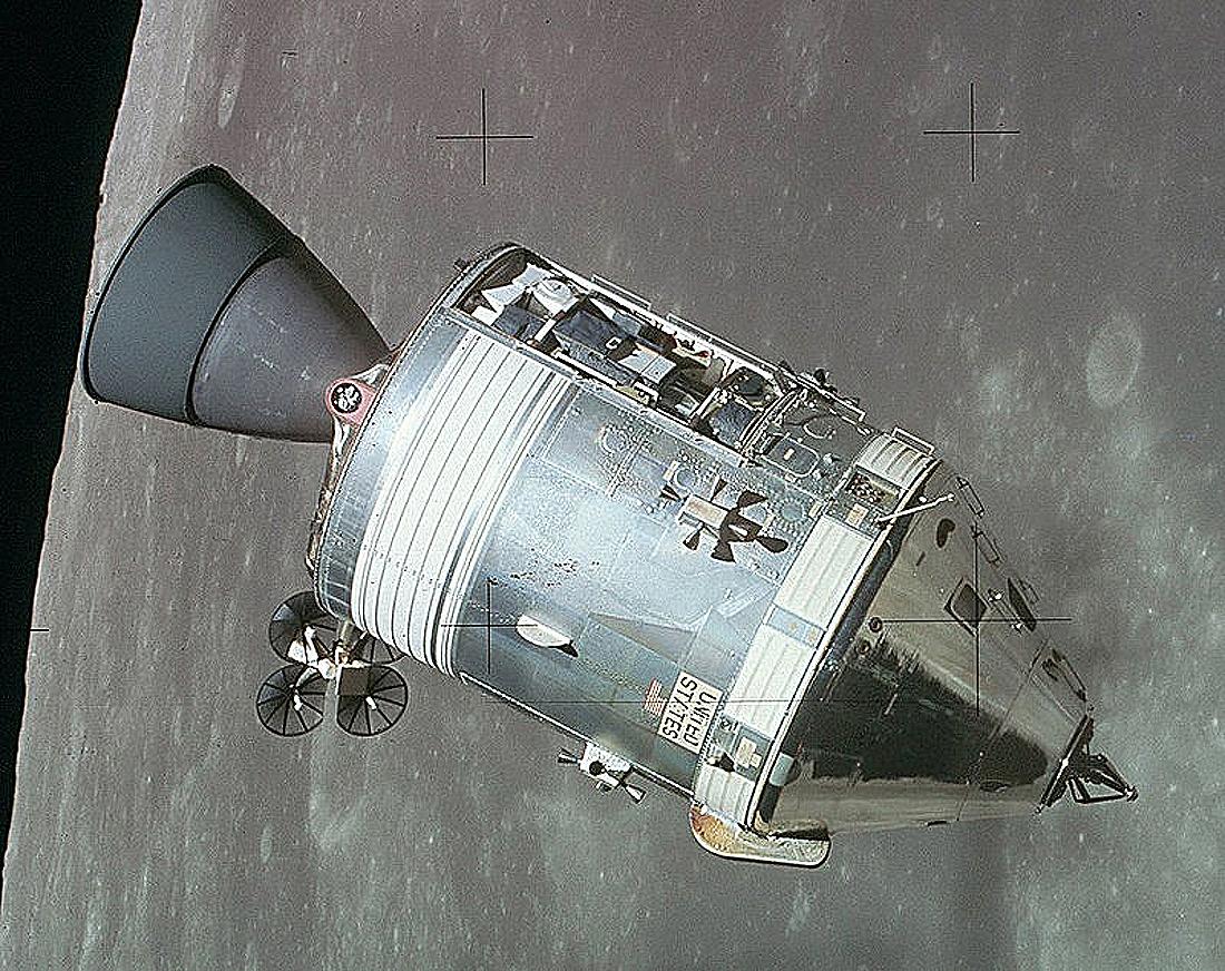 erdvėlaviai Apollo_CSM-1