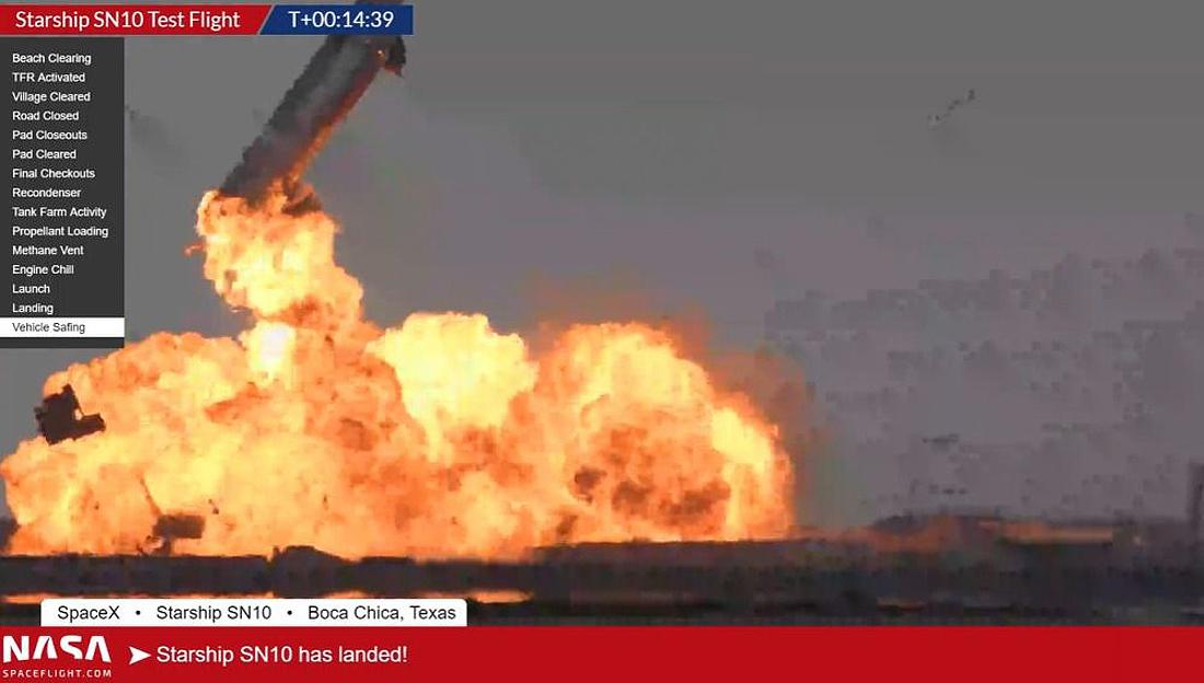Starship SN10 explodes