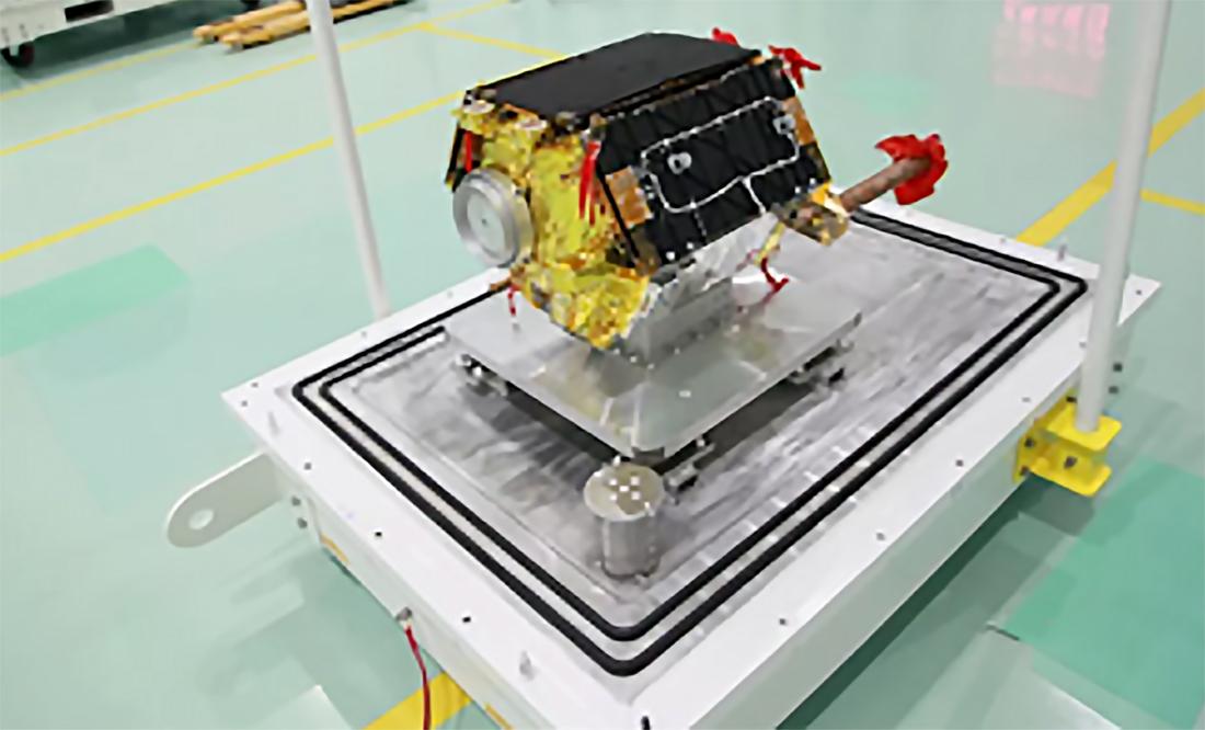palydovinis Hongyan-1-clean-room-CAST