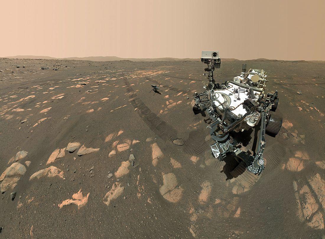 Marsas Perseverances-selfie-with-ingenuity